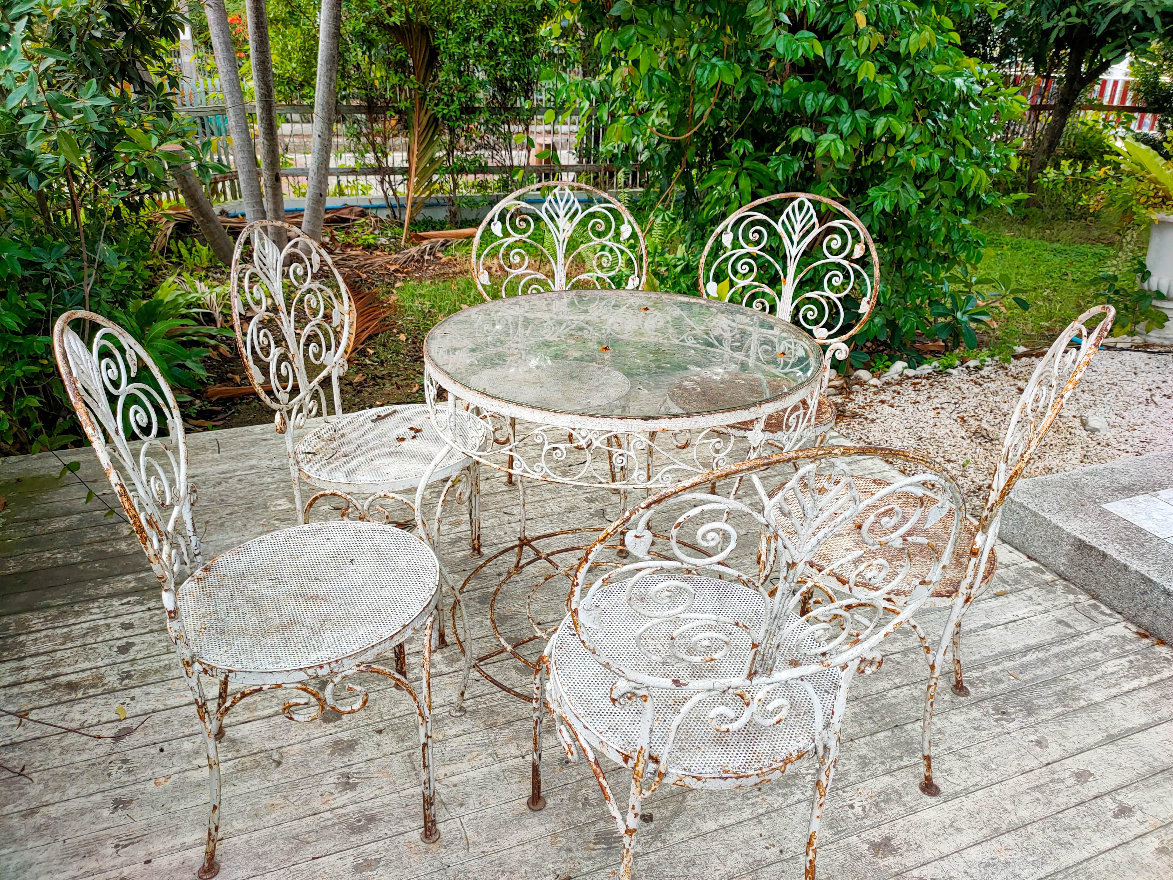 Bradenton Patio Furniture Disposal Tips